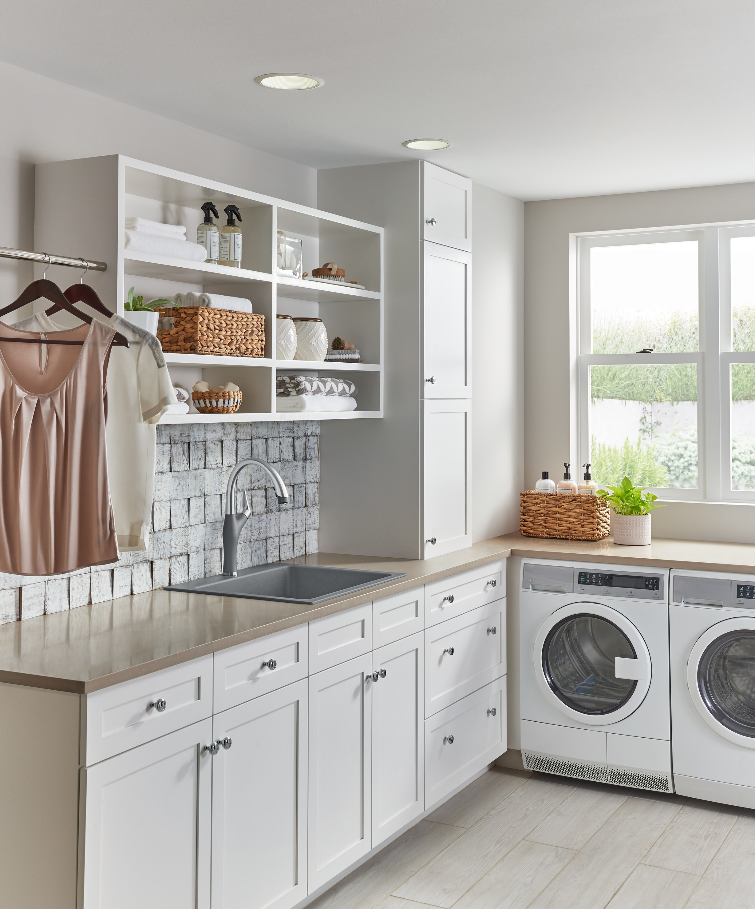 Solid Surface Laundry Room Countertops