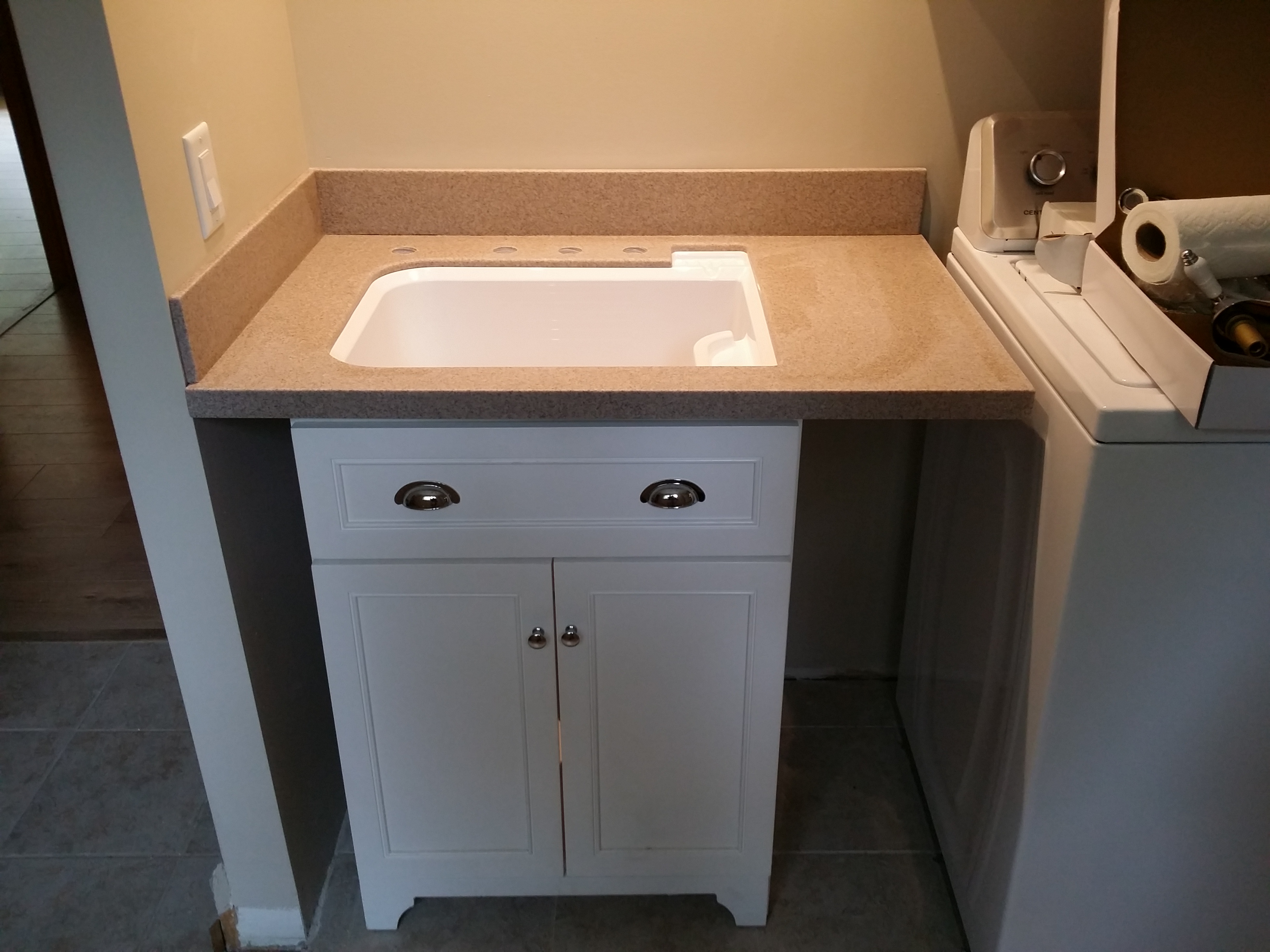 Laundry Room Counter in Solid Surface